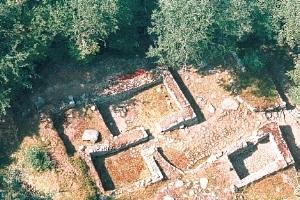 Le village médiéval déserté de Montchauvet